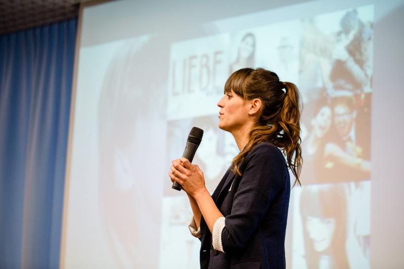 Vortrag von Alina Schröder auf dem Stuttgarter Medienkongress 2016.