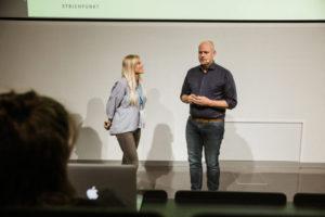 Moderatorin Celine im Gespräch mit dem Autor & Publizist Dr. Frank Berzbach. Foto: Kim Heck